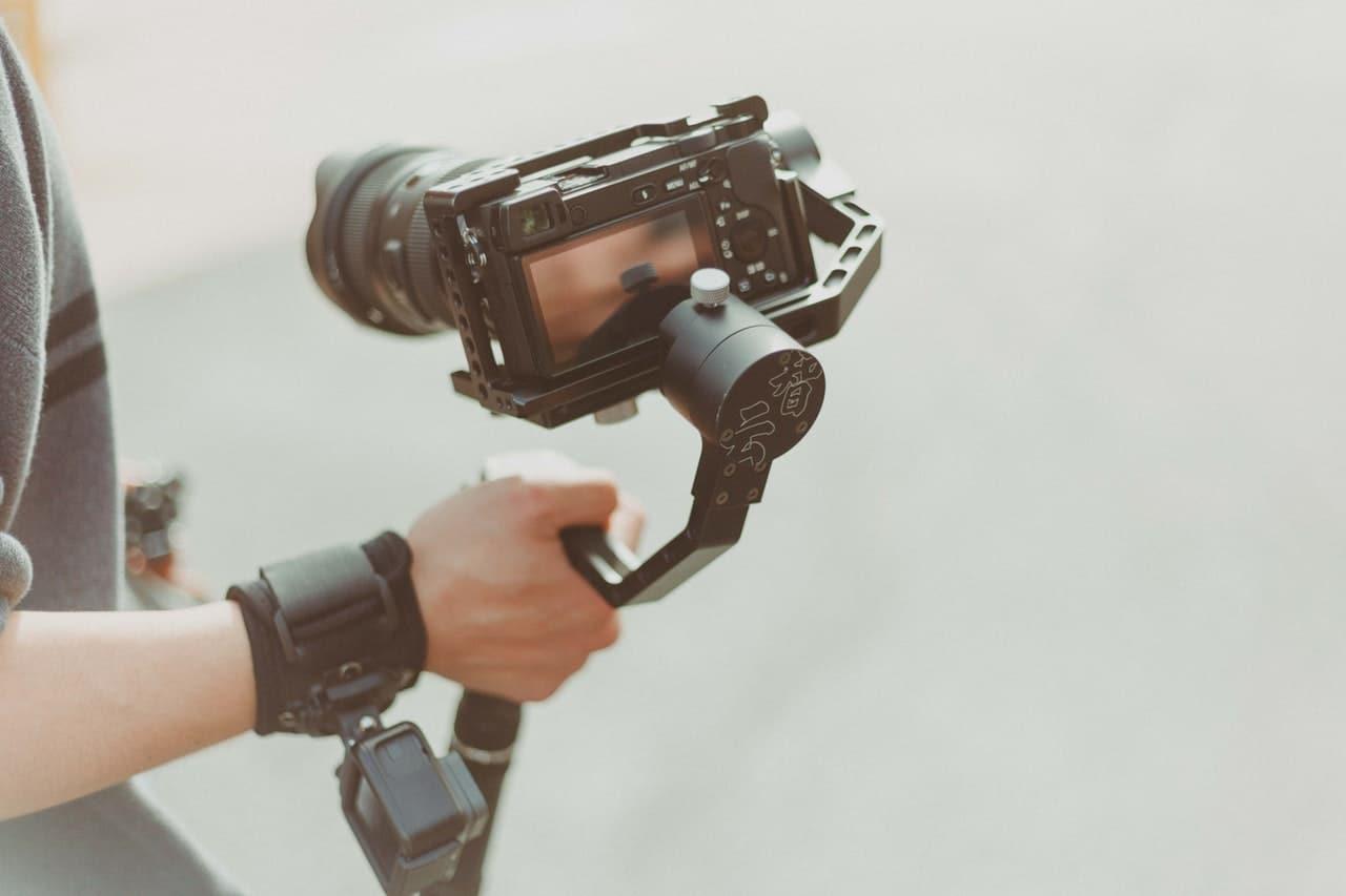 Cautiva clientes con un nuevo estilo de vídeos corporativos para empresas